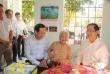 Bộ trưởng Đào Ngọc Dung thăm và tặng quà gia đình chính sách người có công tại tỉnh Tây Ninh