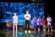 """""""Bộ cảnh phục"""" và """"Trại hoa vàng"""": Hai vở diễn mới của Nhà hát Tuổi trẻ ra mắt trong tháng 9"""