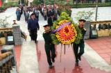Thừa Thiên Huế: Tổ chức lễ dâng hương tại nghĩa trang liệt sỹ huyện Phong Điền