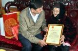 Lãnh đạo tỉnh Bắc Kạn thăm và tặng quà Tết các gia đình người có công với cách mạng