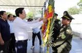 Bộ trưởng Đào Ngọc Dung dâng hương tưởng nhớ các Anh hùng liệt sỹ yên nghỉ tại Quảng Trị