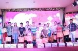 Giới thiệu sản phẩm bánh trung thu LOKKEI và tặng quà cho công nhân vệ sinh môi trường Hà Nội