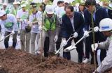 Hơn 1.000 người tham gia trồng cây tại Trung tâm thương mại AEONMALL Hà Đông