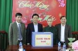 Thứ trưởng Lê Quân tặng quà Tết các thương, bệnh binh tại Bắc Giang