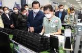 Bộ trưởng Đào Ngọc Dung: Không để người lao động mắc nhiễm Covid-19