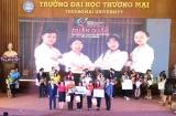 Đội thi Trường Đại học Giao thông vận tải TP. HCM trở thành Quán quân Cuộc thi Tài Năng trẻ Logistics Việt Nam 2020