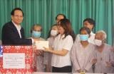 Bộ trưởng Đào Ngọc Dung thăm và tặng quà các đối tượng tại Trung tâm Bảo trợ và Công tác xã hội tỉnh Bình Dương