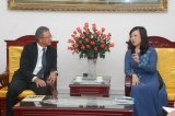 Deputy Minister Dao Hong Lan had a meeting with AIA Group