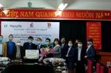 Công ty Bảo hiểm Manulife trao tặng 7.020 khẩu trang và dung dịch sát khuẩn cho Đoàn Trường Đại học Lao động – Xã hội