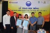 """Trao học bổng """"Vietravel đồng hành cùng tài năng Việt"""" lần thứ V tại Hà Nội"""