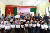 Công ty TNHH Canon Việt Nam chia sẻ yêu thương với trẻ em có hoàn cảnh khó khăn các tỉnh phía Bắc