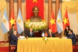 Việt Nam và Argentina ký kết hợp tác xác định hài cốt liệt sĩ Việt Nam