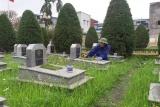 Nghĩa tình của người quản trang ở Nam Định