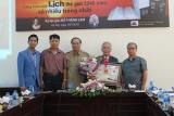 Trao Kỷ lục Việt Nam cho công trình sách lịch thế giới 3240 năm có nhiều trang nhất Việt Nam cho kỷ lục gia Đỗ Thành Lam