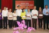 Phú Thọ: Nhiều hoạt động tặng quà tết gia đình chính sách có hoàn cảnh khó khăn