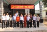 Thứ trưởng Lê Tấn Dũng trao tặng nhà tình nghĩa cho gia đình người có công và dâng hương liệt sĩ tại Long An