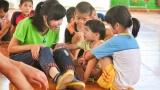 Đẩy mạnh việc trợ giúp trẻ em bị ảnh hưởng bởi HIV