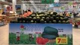 Nguồn hàng thực phẩm thiết yếu ở các siêu thị hiện dồi dào, giá ổn định như trước Tết
