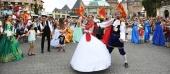 Lần đầu tiên Hà Nội tổ chức trình diễn carnival nghệ thuật trên phố đi bộ
