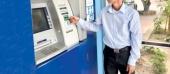 BHXH Việt Nam đẩy mạnh chi trả lương hưu, trợ cấp BHXH và BHTN qua thẻ ATM