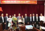 Trao Kỷ niệm chương vì sự nghiệp Lao động – Thương binh và Xã hội cho Tham tán Đại sứ quán Hàn Quốc tại Việt Nam