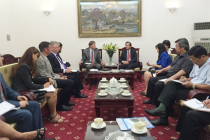 Minister Dao Ngoc Dung had a cordial meeting with Director of USAID