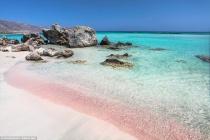 Những bãi biển màu hồng đẹp kỳ lạ tựa chốn thiên đường