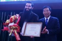 Đạo diễn phim Kong chính thức là Đại sứ Du lịch Việt Nam