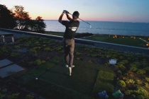 """Lãi lời trên thảm cỏ golf...: """"Luật"""" giá trên sân"""