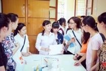 Sinh viên phải nộp sơ yếu lý lịch: Trường nói có, Bộ bảo không