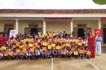 Canon Việt Nam: Trao tặng trang thiết bị học tập cho trường học tại Nghệ An