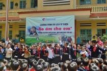 """Vietravel Hà Nội tiếp tục thực hiện chương trình du lịch kết hợp từ thiện """"Áo ấm cho em"""" năm 2017"""