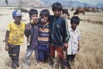 Đồng chí Trương Thị Mai thăm và tặng quà cho trẻ em có hoàn cảnh khó khăn tỉnh Ninh Thuận