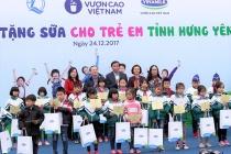 Quỹ sữa Vươn cao Việt Nam trao tặng trên 70. 500 ly sữa cho trẻ em tỉnh Hưng Yên