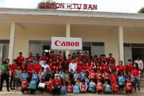 Canon Việt Nam chia sẻ yêu thương với Trường Phổ thông Dân tộc bán trú Tiểu học xã Tà Mung những ngày đầu xuân 2018