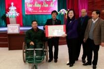 Thứ trưởng Đào Hồng Lan thăm, tặng quà Trung tâm Điều dưỡng Thương binh Thuận Thành