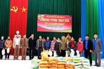 Nghệ An: Nhiều đơn vị, tổ chức thăm, tặng quà Tết cho người nghèo