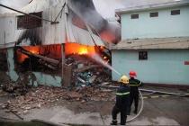 Cháy lớn ở Vĩnh Phúc: Chủ tịch UBND tỉnh trực tiếp chỉ đạo chữa cháy