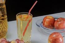Các nhà khoa học cảnh báo tính nguy hiểm của đồ uống có đường