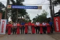 """Canon khánh thành và bàn giao công trình """"Thắp sáng đường quê"""" 2018 tại Bắc Giang"""