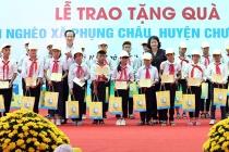 Gần 500 triệu đồng dành tặng trẻ em khó khăn ở vùng lũ Hà Nội