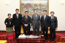 Bộ trưởng Đào Ngọc Dung tiếp Bộ trưởng Bộ Phúc lợi Xã hội – Cứu trợ và Tái định cư Myanmar