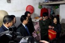 Lãnh đạo Thành phố thăm hỏi, chúc Tết các gia đình chính sách quận Nam Từ Liêm