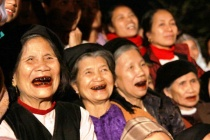 Vietnam builds policy in response to aging population