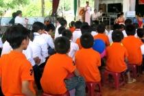 Cung cấp kiến thức cho trẻ nhiễm HIV và người chăm sóc trẻ