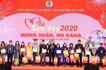 Chương trình 'Tết sum vầy 2020': Trao tặng 3.000 suất quà cho người lao động Thủ đô