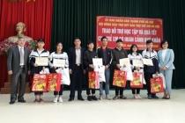 Hà Nội: Thăm, tặng quà Tết trẻ em có hoàn cảnh khó khăn