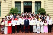 Bộ Lao động - TBXH xét tuyển 25 công chức tốt nghiệp trình độ xuất sắc