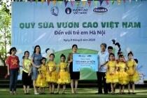 Quỹ sữa vươn cao Việt Nam và Vinamilk trao tặng 120.000 ly sữa cho trẻ em Hà Nội