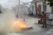 Công ty Điện lực Hải Phòng tổ chức huấn luyện PCCC & CHCN cho người lao động tại trạm biến áp 110kV